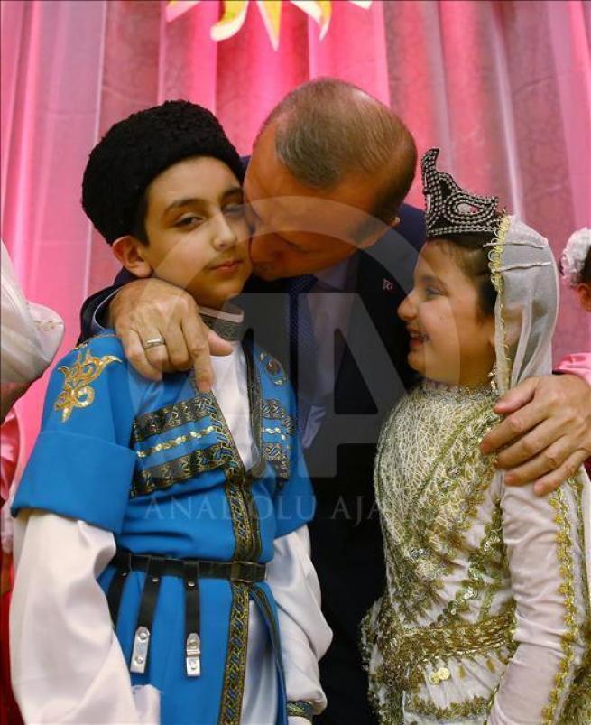 Cumhurbaşkanı Erdoğan dünya çocuklarıyla buluştu 10