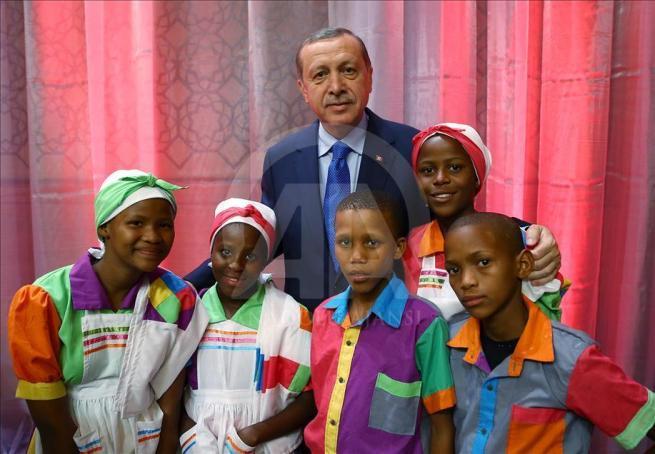 Cumhurbaşkanı Erdoğan dünya çocuklarıyla buluştu 12