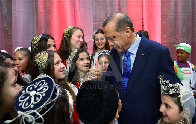 Cumhurbaşkanı Erdoğan dünya çocuklarıyla buluştu 14