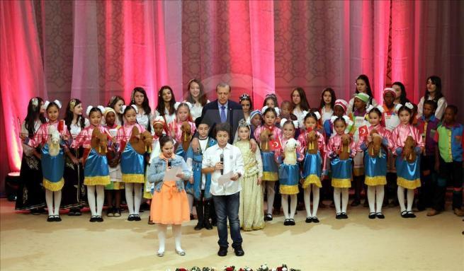 Cumhurbaşkanı Erdoğan dünya çocuklarıyla buluştu 9