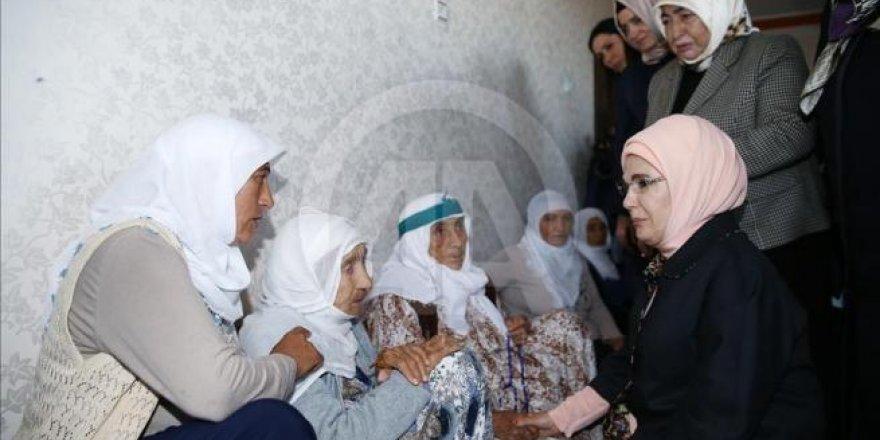 Erdoğan ve Yıldırım, Dürümlü'de katledilenlerin yakınlarını ziyaret