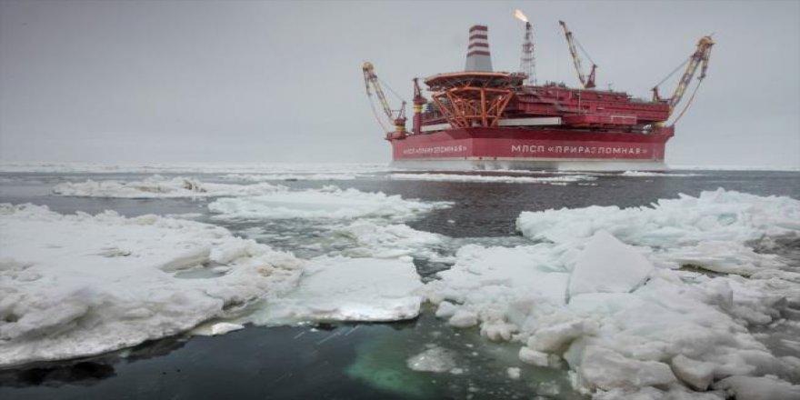 Rusya'nın kutuplardaki ilk petrol platformu ''Prirazlomna