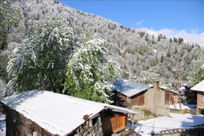 Ayder Yaylası'na kar yağdı 6