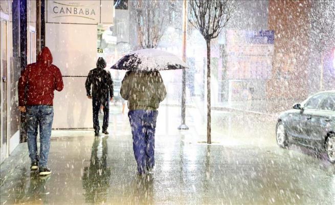 Erzurum'a nisan ayında kar yağdı 3