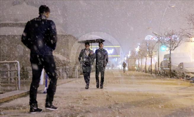 Erzurum'a nisan ayında kar yağdı 5