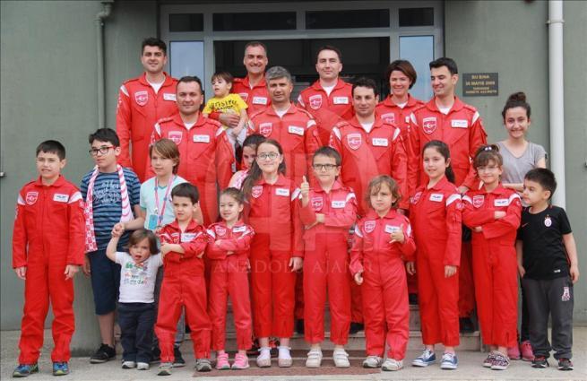 Türk Yıldızları'nın kokpiti ilk kez çocuklara emanet 10