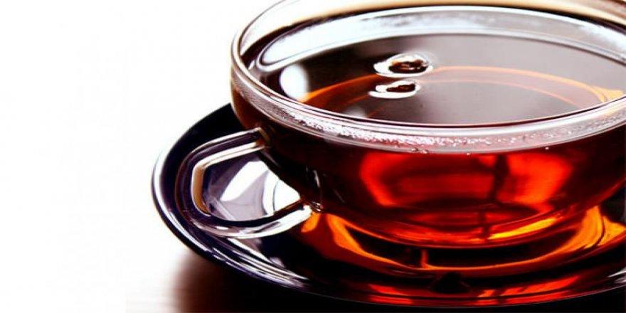 Çayı sıcak içenlere kötü haber