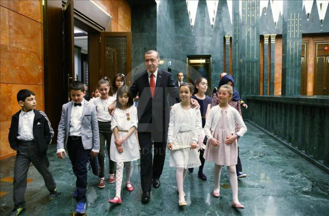 Cumhurbaşkanı Erdoğan, Bakan Avcı ve öğrencileri kabul etti 2