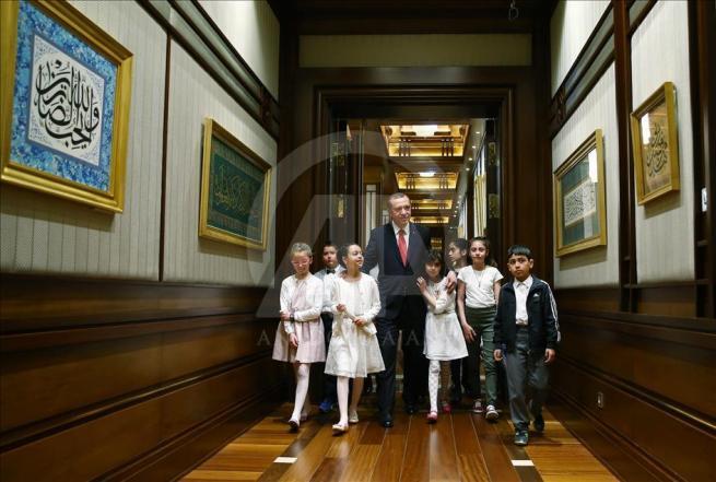 Cumhurbaşkanı Erdoğan, Bakan Avcı ve öğrencileri kabul etti 3