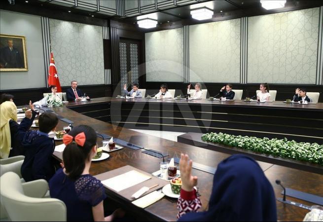 Cumhurbaşkanı Erdoğan, Bakan Avcı ve öğrencileri kabul etti 4