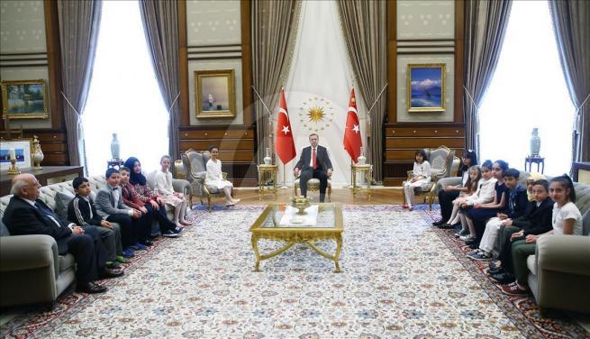 Cumhurbaşkanı Erdoğan, Bakan Avcı ve öğrencileri kabul etti 5