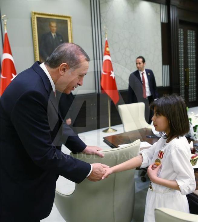 Cumhurbaşkanı Erdoğan, Bakan Avcı ve öğrencileri kabul etti 6