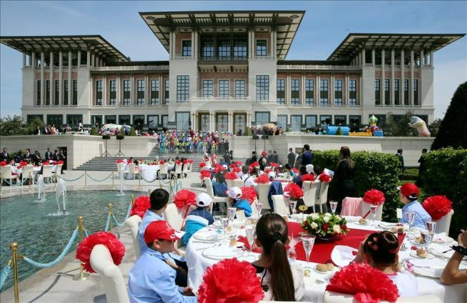 Cumhurbaşkanı Erdoğan, 81 ilden gelen çocukları kabul etti 2