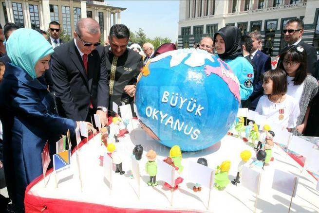 Cumhurbaşkanı Erdoğan, 81 ilden gelen çocukları kabul etti 4