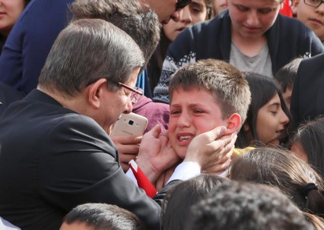 Anıtkabir'deki 23 Nisan törenine bu kareler damga vurdu . 16