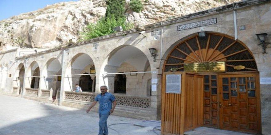 Hz İbrahim'in makamı yenileniyor