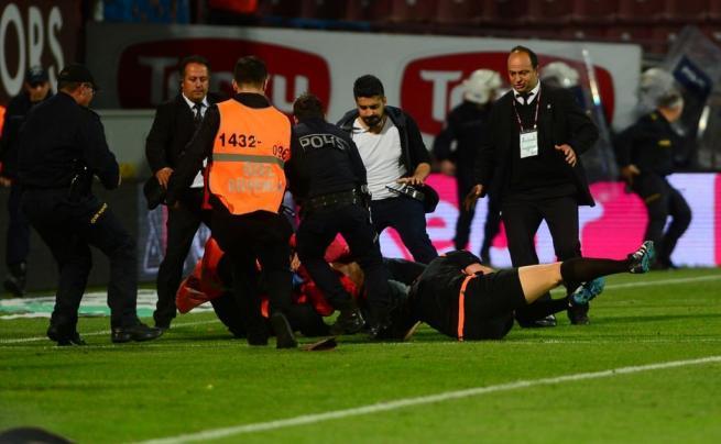 Dünya basını olaylı Trabzonspor-Fenerbahçe derbisini böyle yazdı. 12