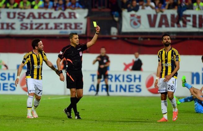 Dünya basını olaylı Trabzonspor-Fenerbahçe derbisini böyle yazdı. 17