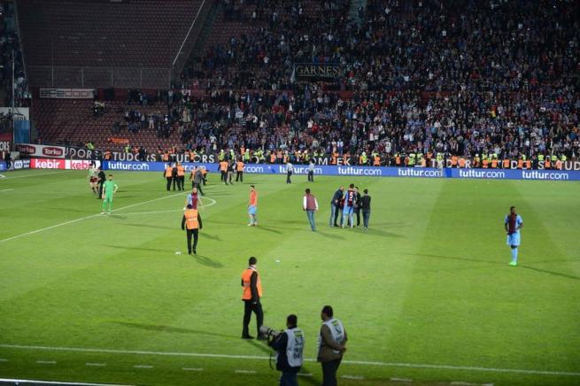 Dünya basını olaylı Trabzonspor-Fenerbahçe derbisini böyle yazdı. 4