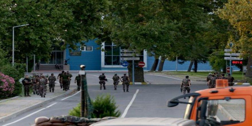 Yeşilköy'deki Hava Harp Okulu'na operasyon