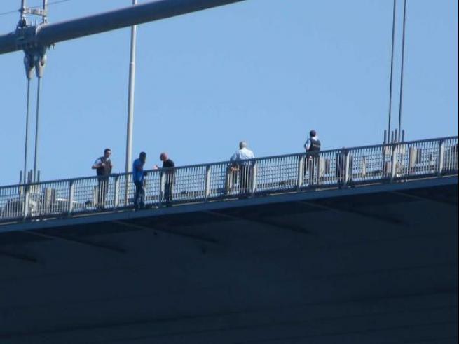 Boğaziçi Köprüsü'nde intihar girişimi 1