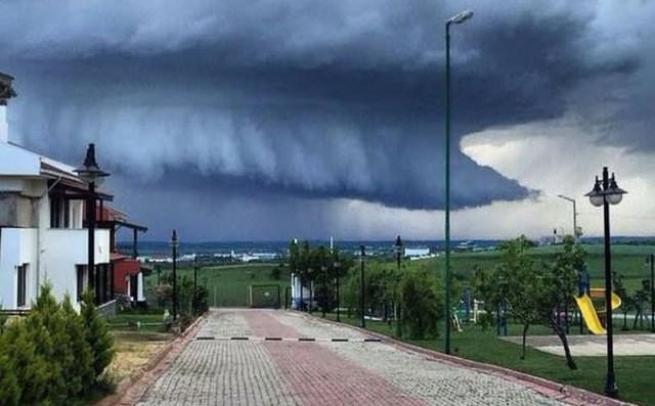 Edirne'deki bu görüntü uçak düşürebilir 3