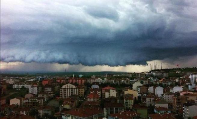 Edirne'deki bu görüntü uçak düşürebilir 4