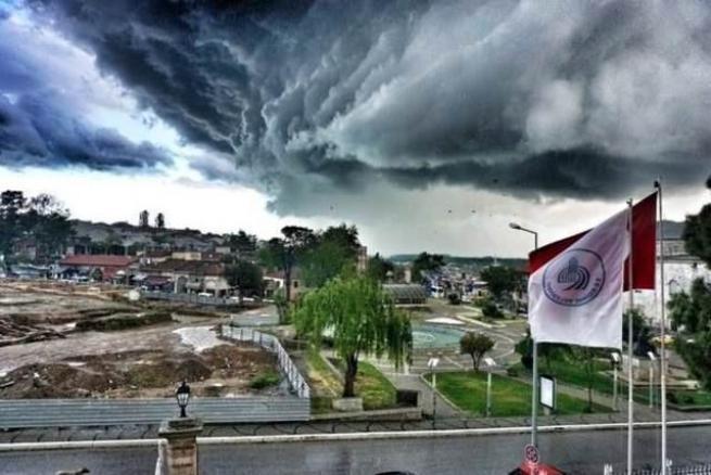 Edirne'deki bu görüntü uçak düşürebilir 7