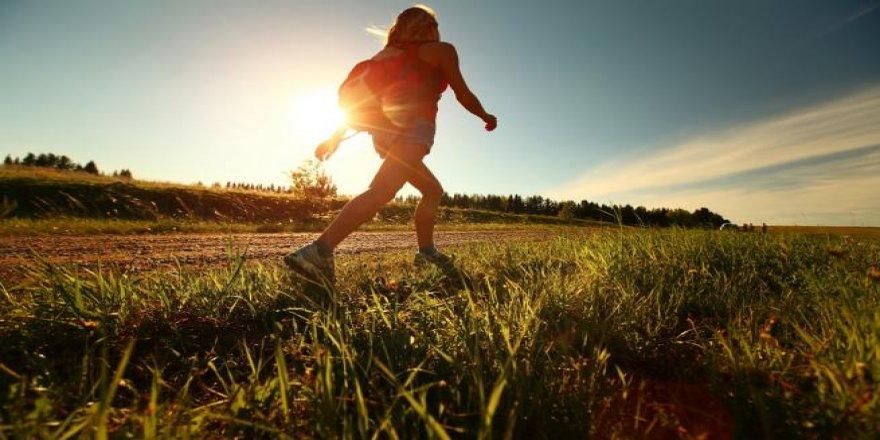 Her gün 1 saat yürüyün