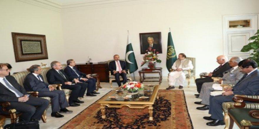 Dışişleri Bakanı Çavuşoğlu Pakistan'da