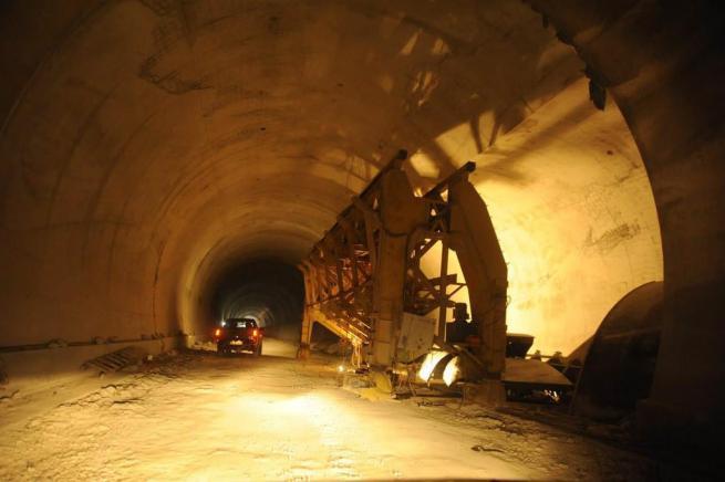 Türkiye'nin en uzun tünelinde ışık göründü 1