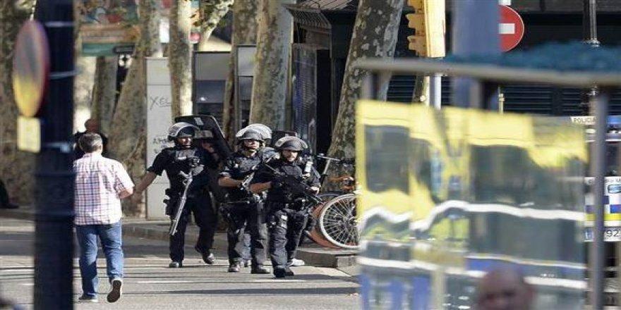 Barcelona'daki saldırıdan dehşet fotoğraflar