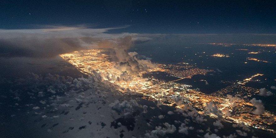 Bir pilotun çektiği fırtına fotoğrafları hayrete düşürdü!