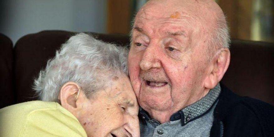98 yaşındaki anne 80 yaşındaki oğlu için bakın ne yaptı!