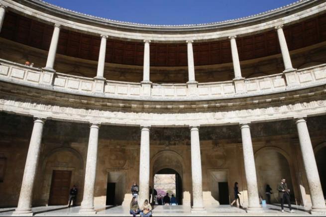 """Masallardaki gibi saray """"El Hamra"""" 11"""