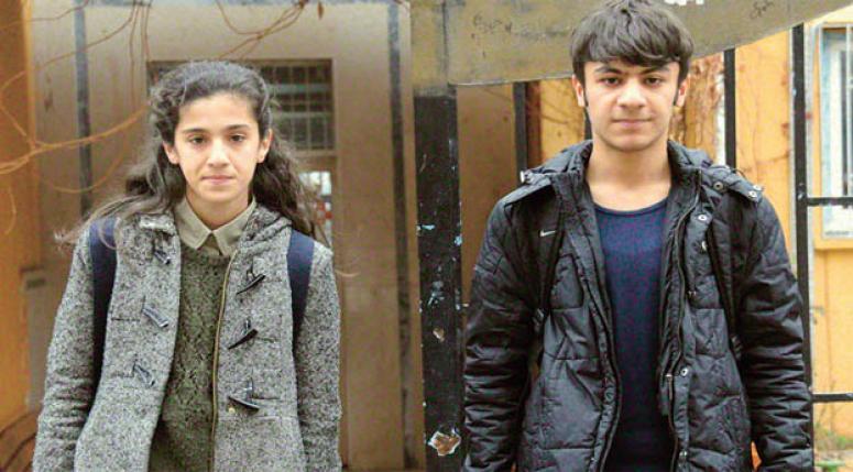 Diyarbakır Sur'da teröre inat 110 net!