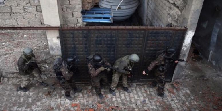 Cizre'de 5 hain öldürüldü