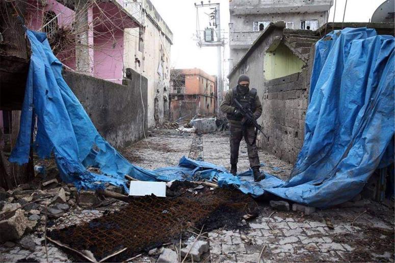 Sur'da 'sivil halk tamamen boşaltılacak'
