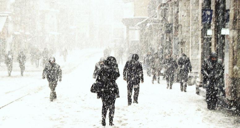 Dikkat! İstanbul'a kar yağışı geri geliyor