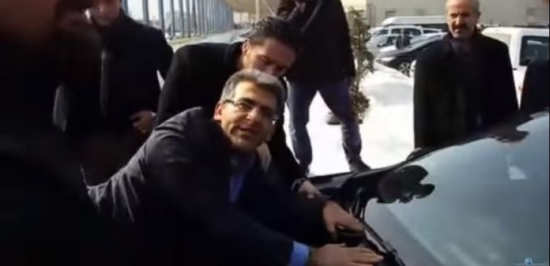 HDP'li vekil Bakanın önünü kesmek istedi