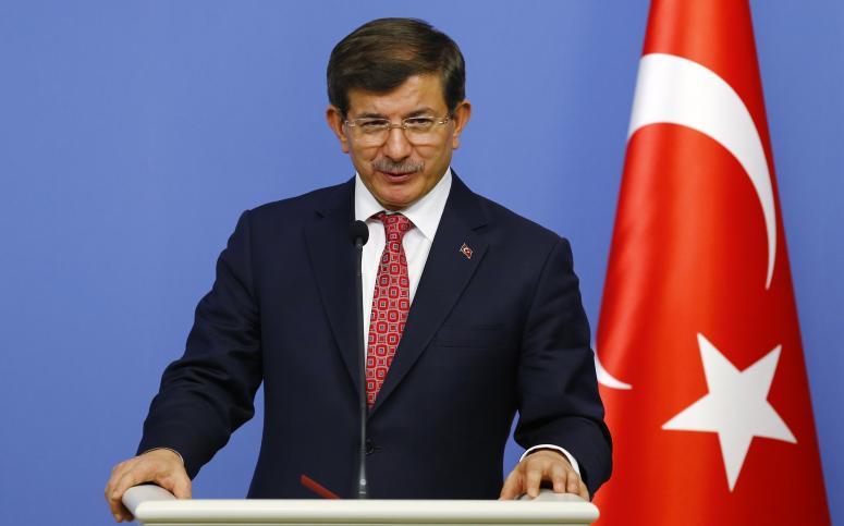 Davutoğlu: YPG, Fırat'ın batısına geçemeyecek