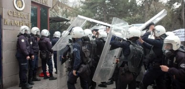 Ankara Üniversitesi karıştı!