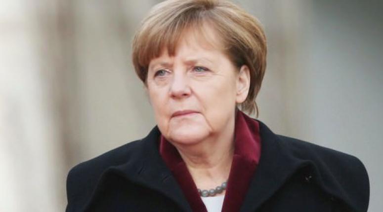 Merkel: Şiddetle kınıyoruz