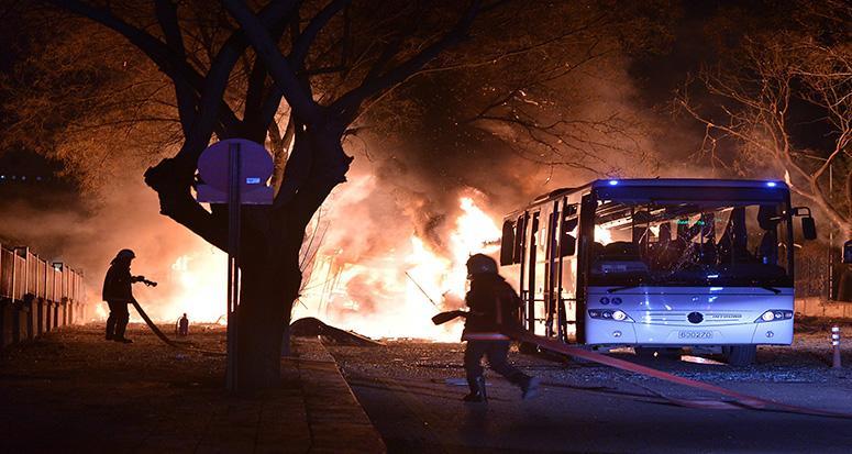 Ankara'da bombalı saldırı: '28 şehit , 61 yaralı'