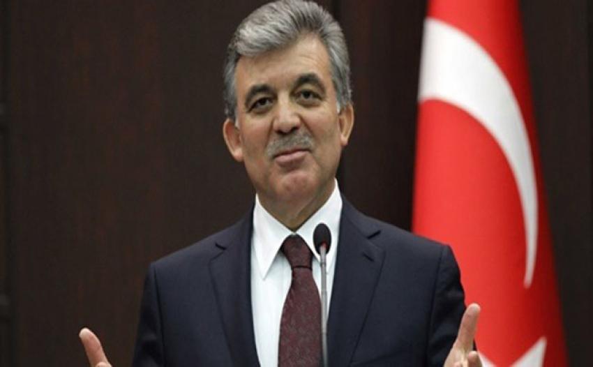 Abdullah Gül'den Fehmi Koru'ya tebrik!