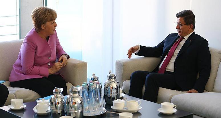 Başbakan Davutoğlu Almanya'da