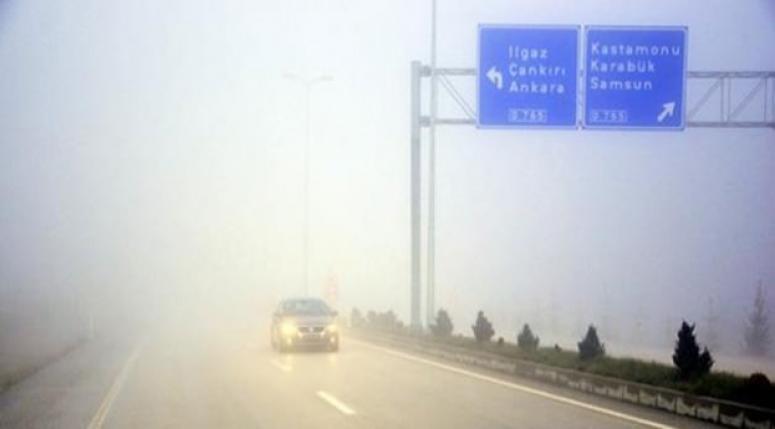 Yoğun sis ulaşımı olumsuz etkiliyor