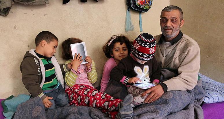 Esed'in bombaları hem eşini hem gözünü aldı
