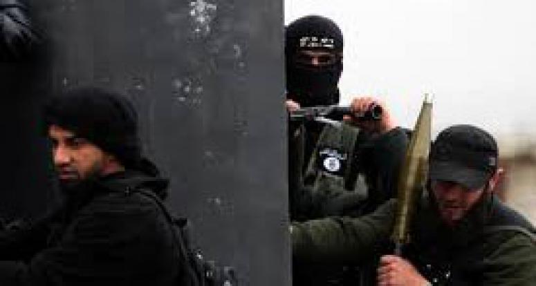 DAEŞ 95 Esed askerini öldürdü
