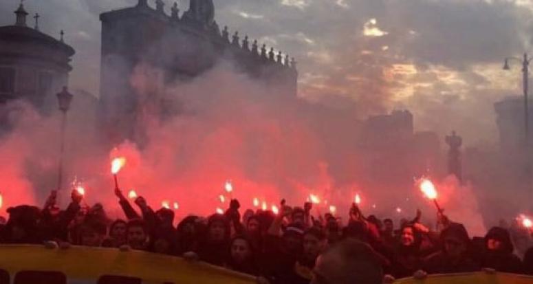 Galatasaray İtalya'da siyaseti karıştırdı